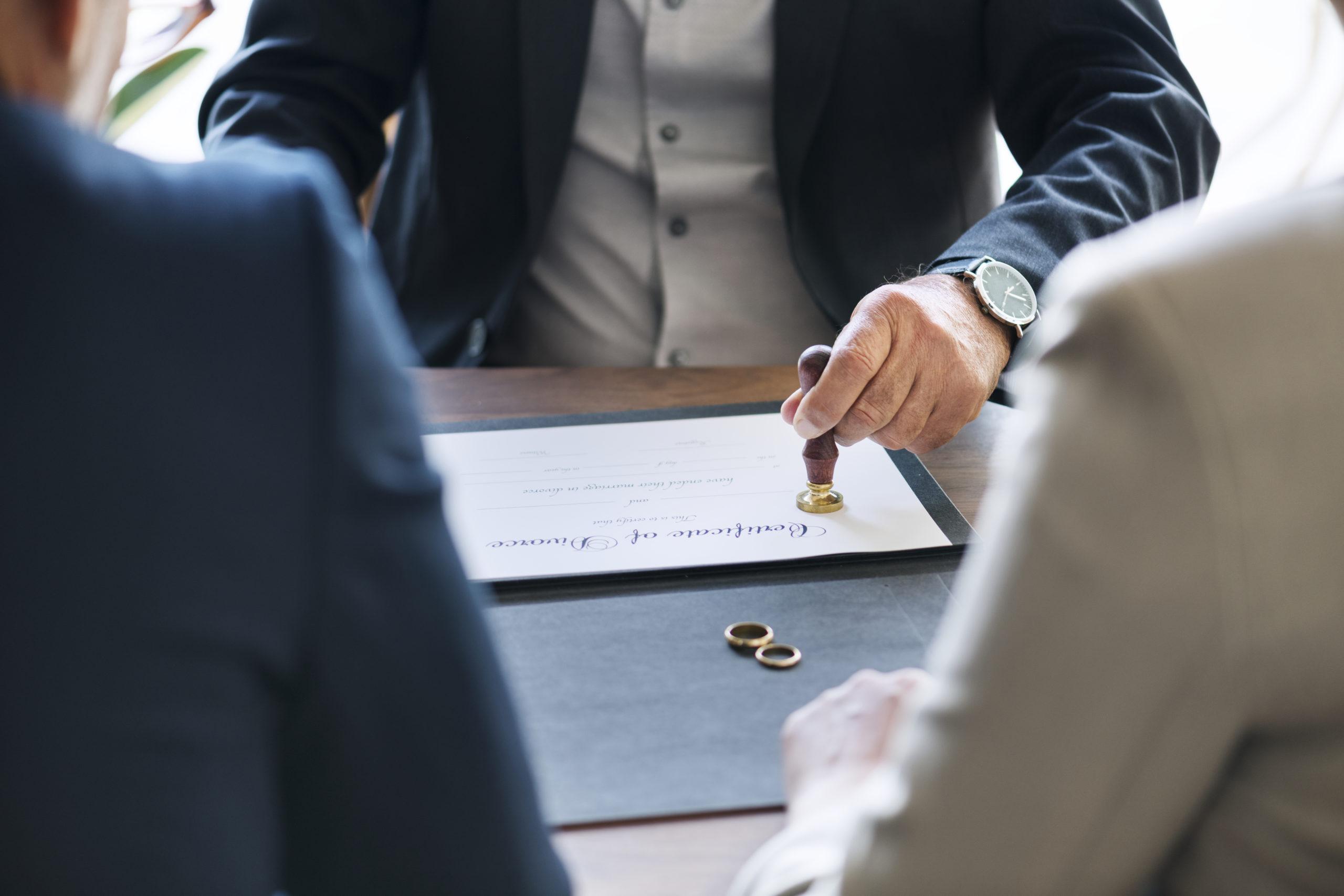 Divórcio imediato: entenda como funciona nos casos de agressão